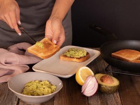 04_avocado_toast_bresaola