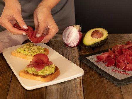 05_avocado_toast_bresaola