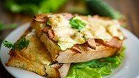 Crostini burro prosciutto cotto e mozzarella-1