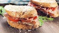 Panino con il salame e peperoni-1