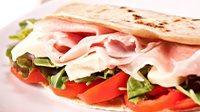 piadina cotto mozzarella e pomodorini_16_9